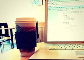 CafeLaptop_Lauren_Michell_Rabaino_Flickr_Featured