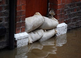 Flooding_Dreamstime_RonfromYork