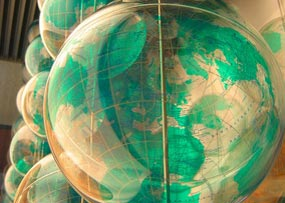 Globes_tup_wanders_CCFlickrFEATURED