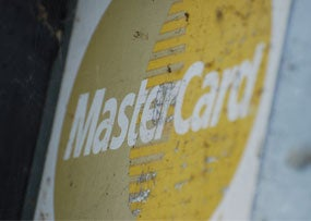 Contactless Payments May Prompt Borrowers to Spend More