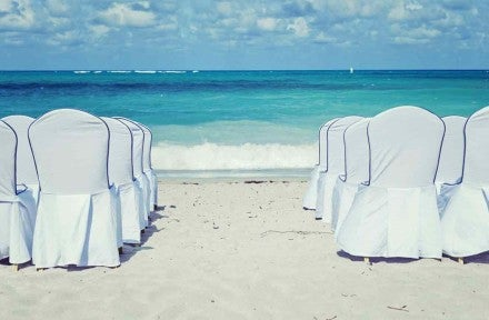 5 Ways to Save on Wedding Travel