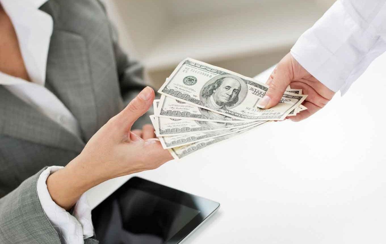 Credit Cards That Regularly Offer Big Sign Up Bonuses