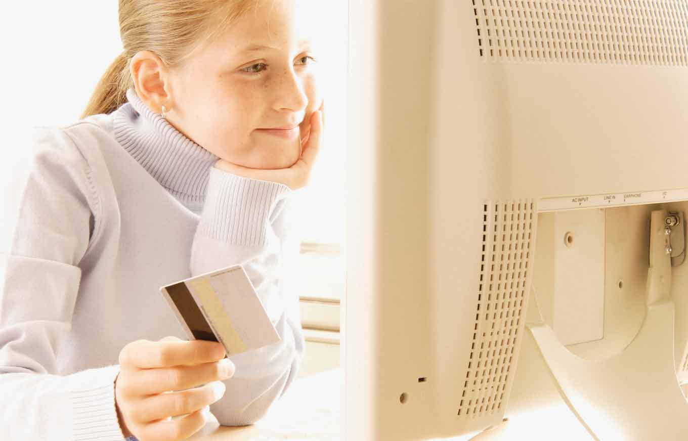 should you give your kid a credit card