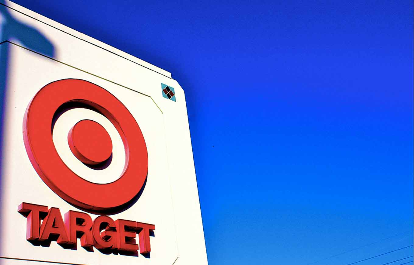 target data breach Target's data breach in late 2013 involving 40 million credit- and debit-card records, plus 70 million customer records (including addresses and phone numbers), came under dean's microscope a.