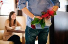 Valentine's Day: Splurge on Gifts or Save Your Cash?