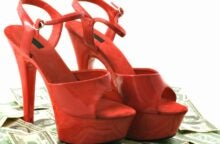 Student Stripper Makes $180K a Year & Will Graduate Debt-Free
