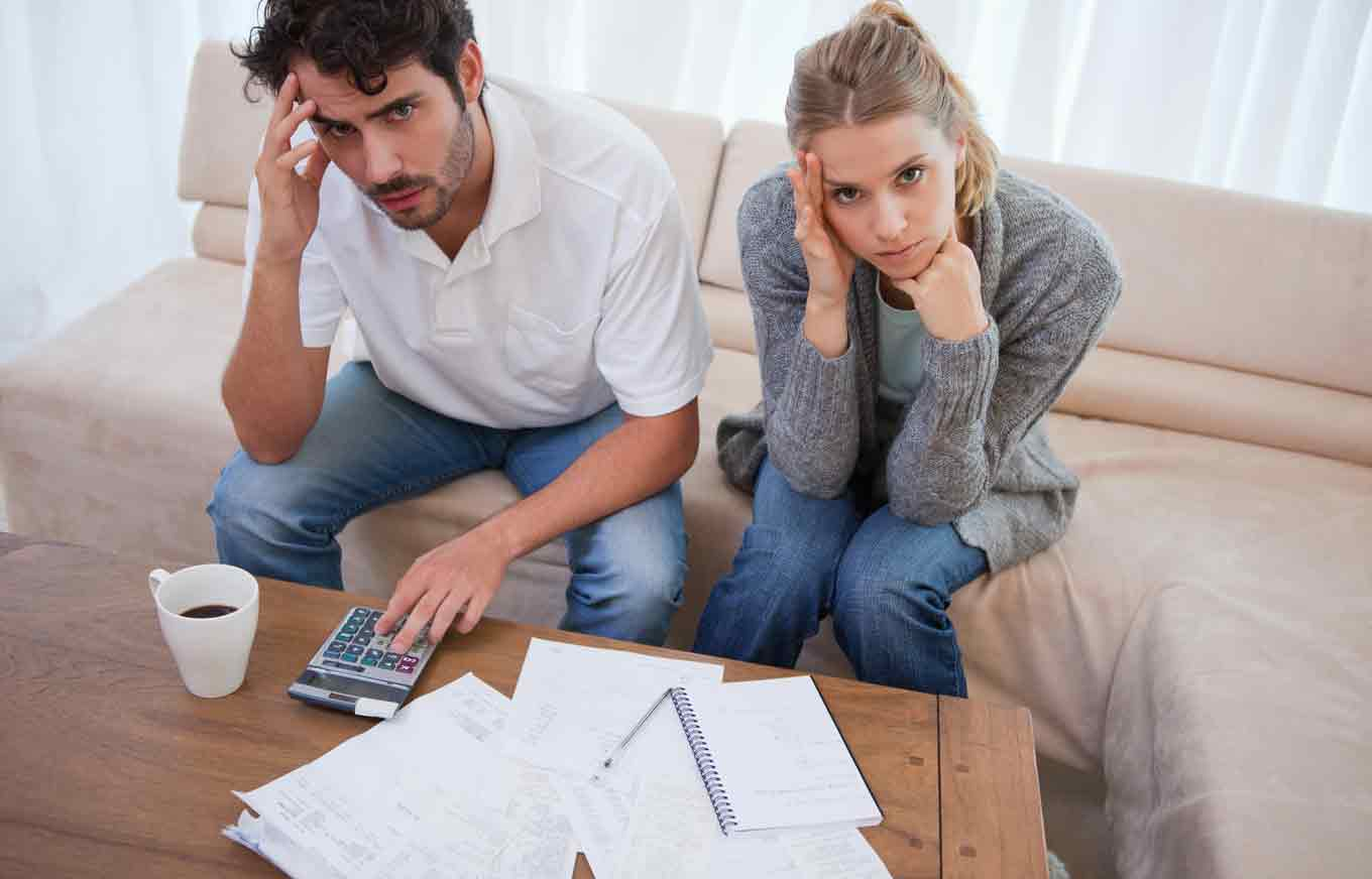 7 Signs You're Heading Into Bankruptcy