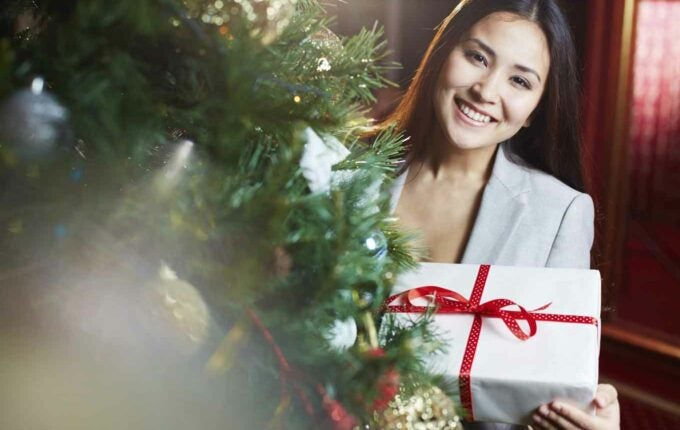 6 Low-Cost (or Free!) Gifts People Will Actually Like