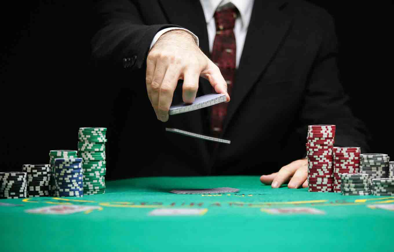 Loan For Bad Credit >> How Thinking Like a Poker Player Can Help You Get a Raise | Credit.com