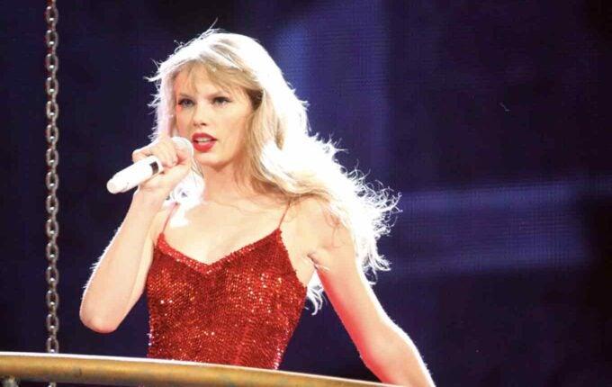 Taylor Swift Helped Pay a Fan's Student Loan Debt