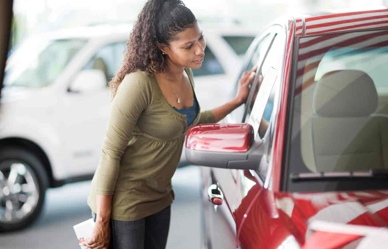 Buying a Car From the Dealership? Here's What to Bring With You