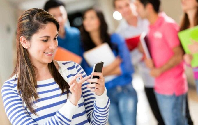 How Your Cellphone Can Help You Build Credit
