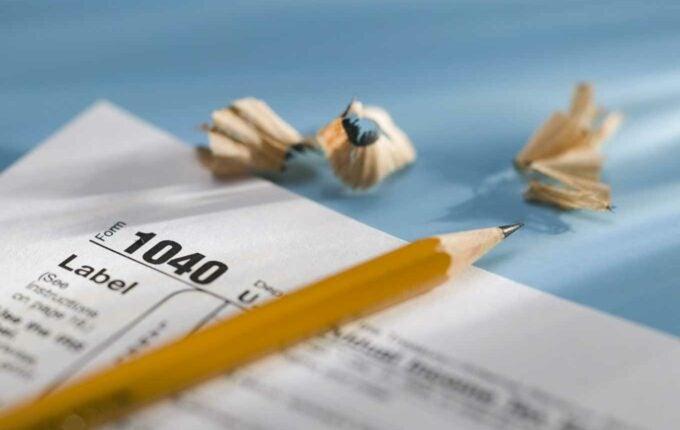 7 Ways to Cut Your Tax Bill | Credit.com