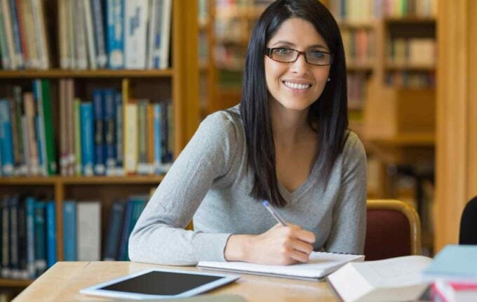 8 Secrets to Getting College Scholarships
