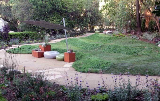 8 Cheap Landscaping Tricks