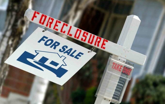 In Much of the Country, the Housing Crisis Lingers in Foreclosures
