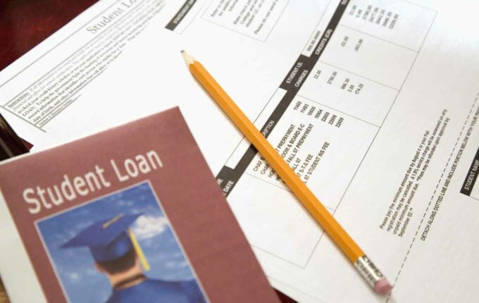 7 things colleges do to help you pay your student loan