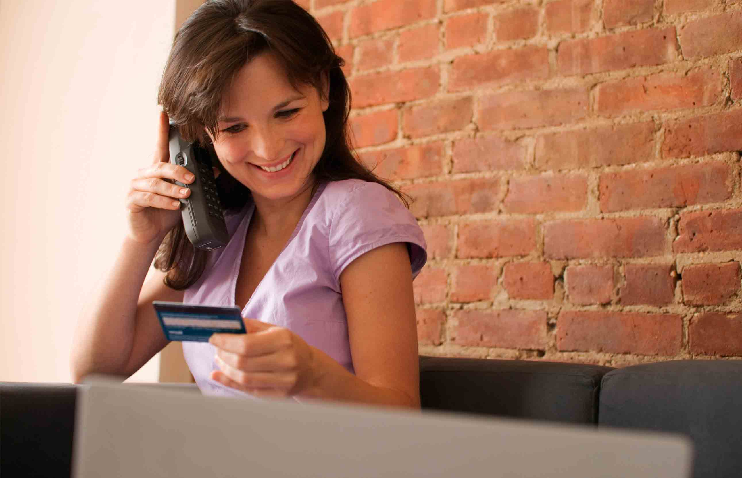 How to call the operator Home Credit Bank