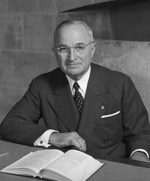 512px-Harry_S_Truman_-_NARA_-_530677_(2)