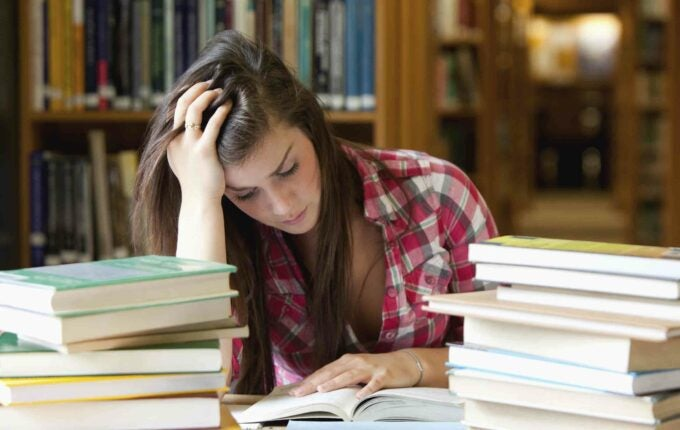 college_student_studying