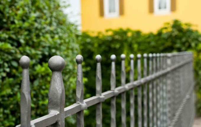 foreclosure_fence