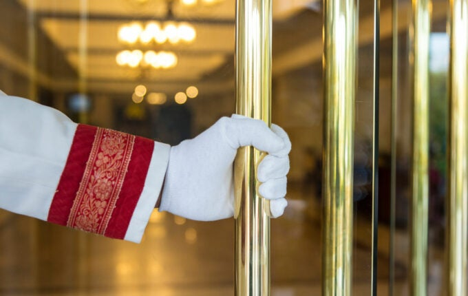 hotel_doorman