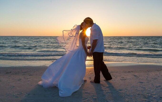 common-wedding-rip-offs