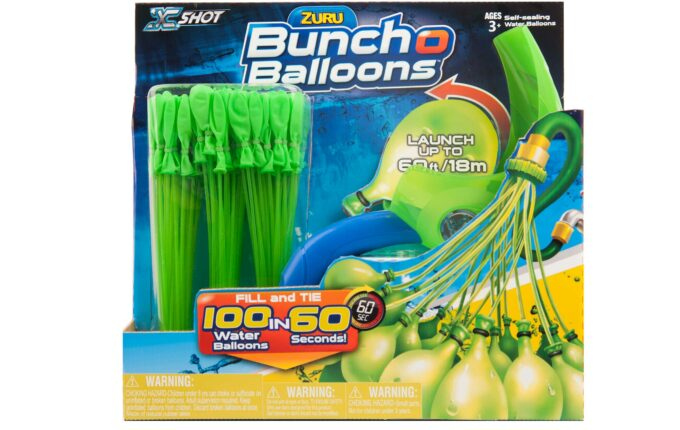 kids-outside-toys-balloons