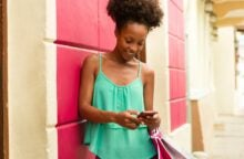 How to Use Your Shopping Addiction to Build Credit