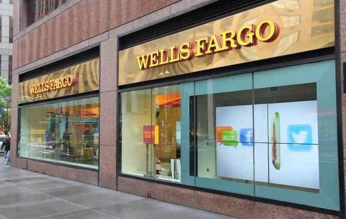 Wells-Fargo-execs
