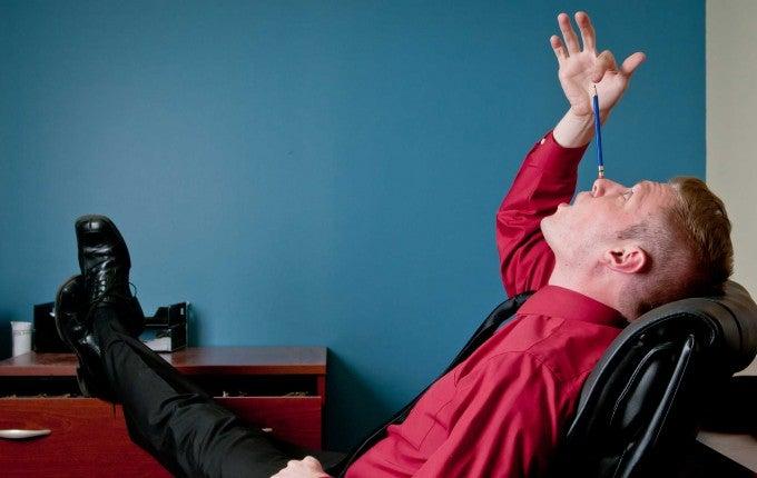 habits-wrecking-your-credit-Procrastinating-