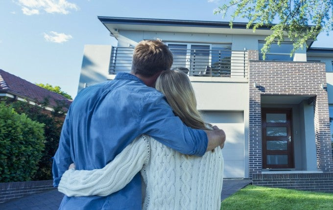 Buying a home? Here's what determines mortgage rates.