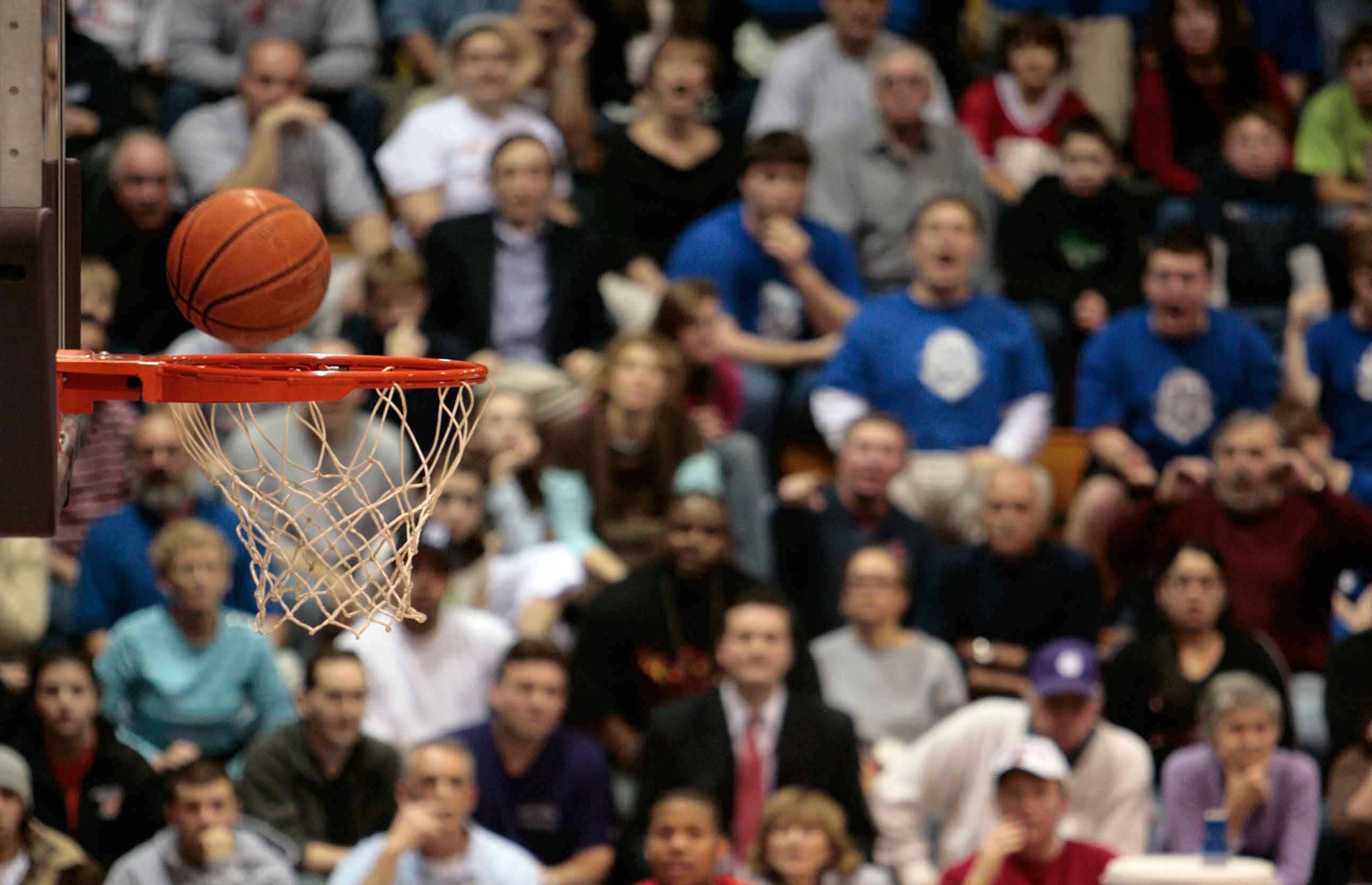 March Madness doesn't have to break the bank. Here are easy ways to save money while following college basketball's biggest event.
