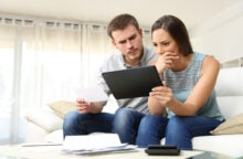 Red Flags for Credit Cards: 7 Things to Watch for When You Have Bad Credit