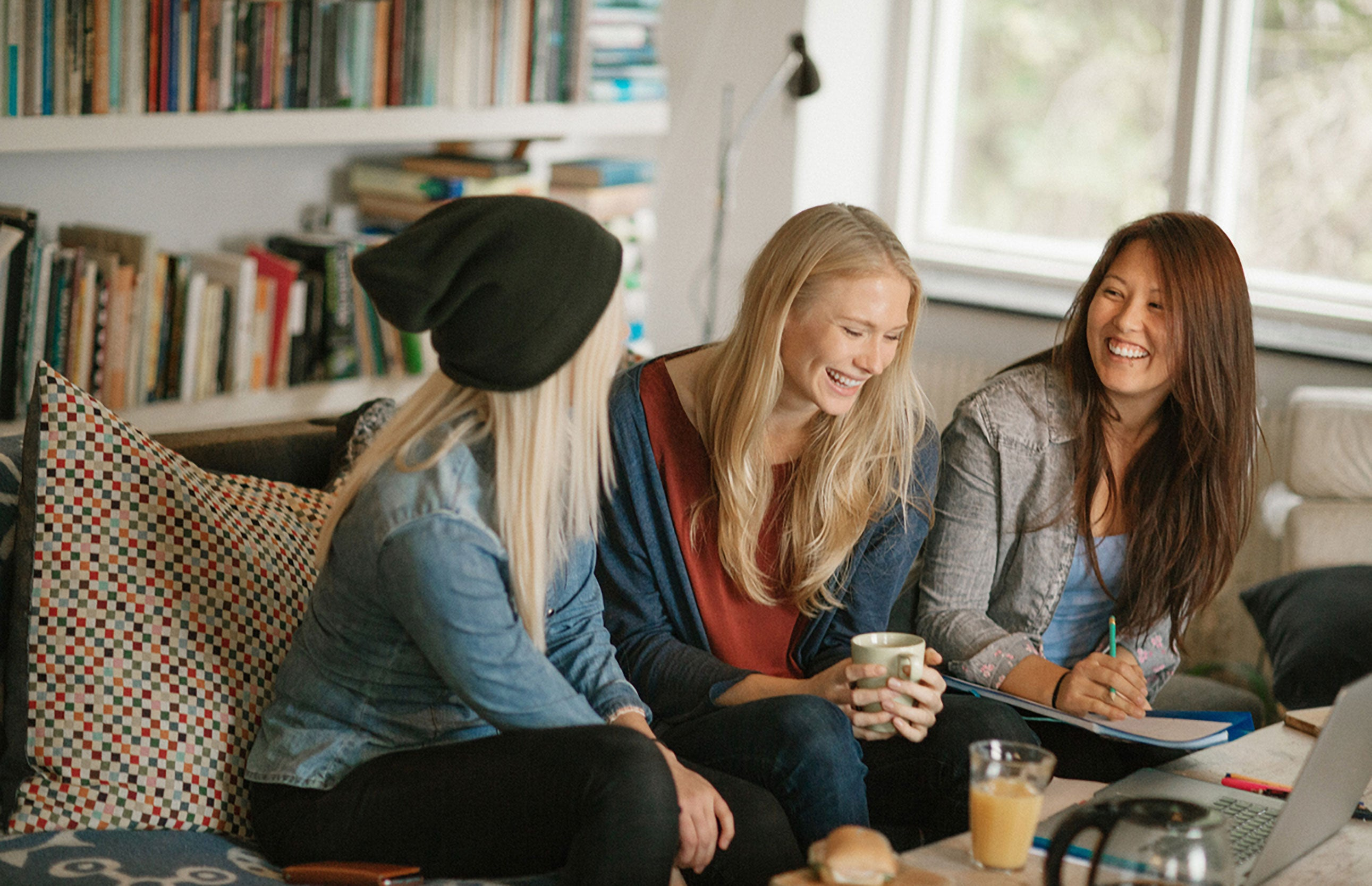 11 Hacks for Finding an Affordable College Apartment ...