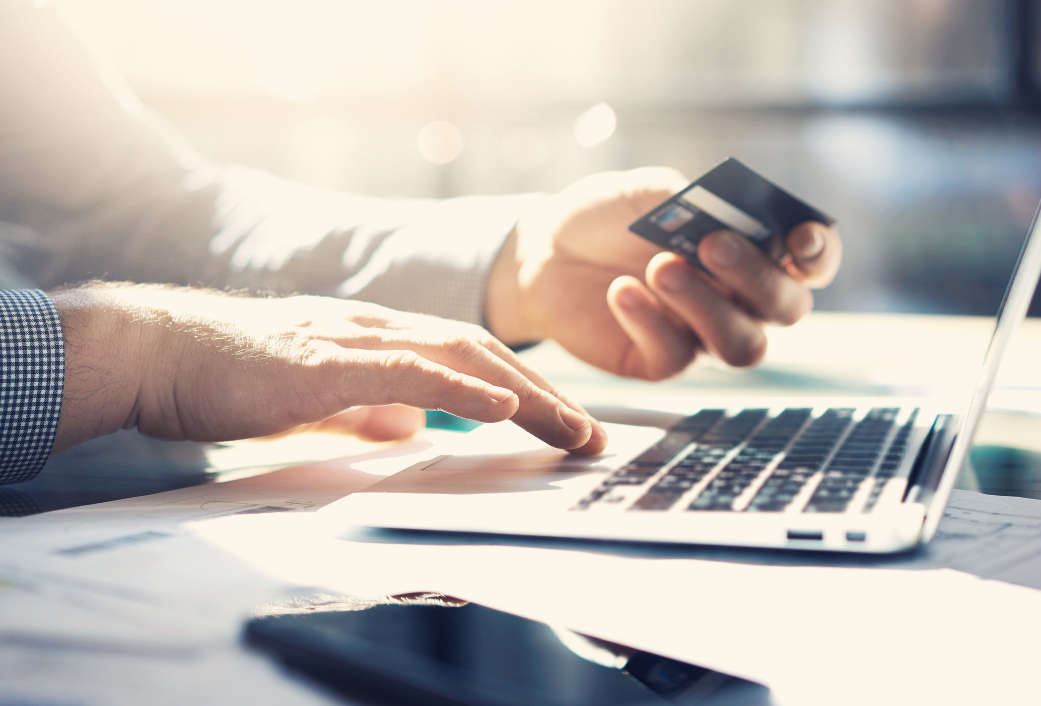 3 Ways to Avoid Overspending Online pictures